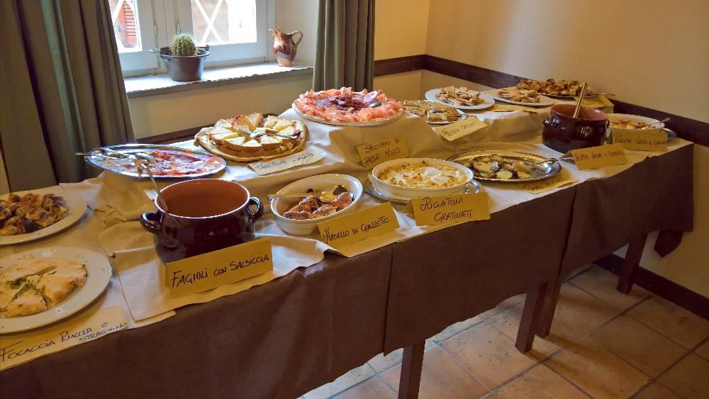 Menù buffet € 10,00 Solo a pranzo